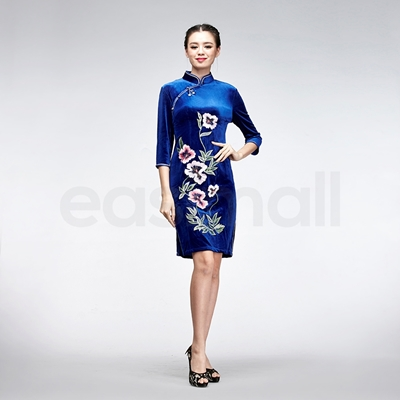 Picture of Blue Velvet Embroidery Cheongsam