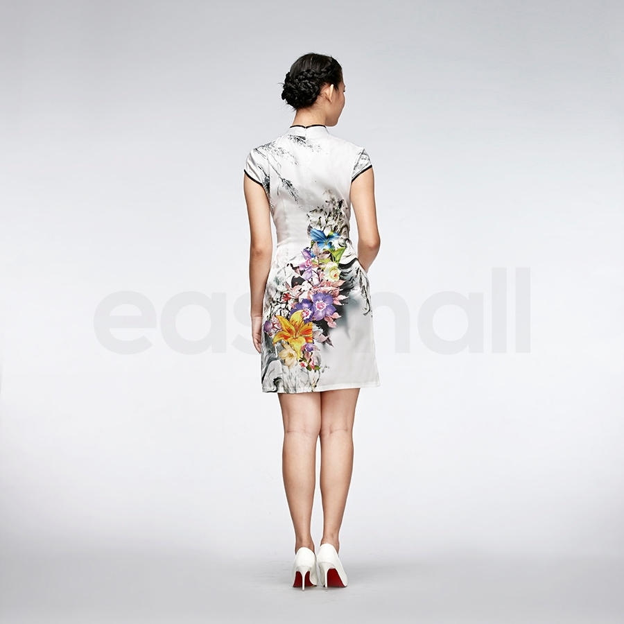 Picture of White Silk Floral Cheongsam